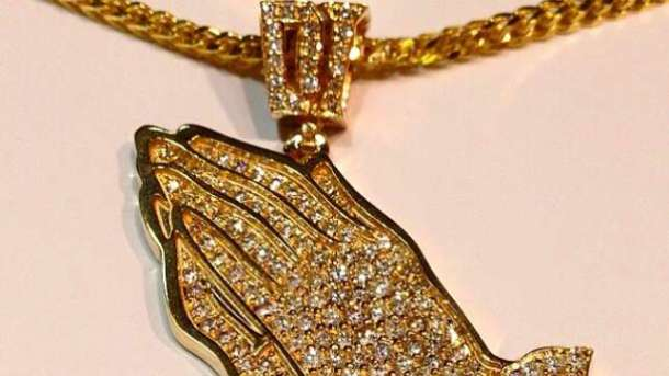 Dammy Krane Amin necklace Malivelihood Gives Dammy Krane Custom Made Gold Chain As Birthday Gift [See Photo]