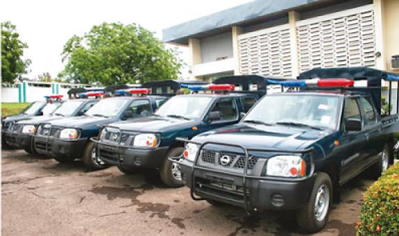 SEE GOBE!!! Robbers Snatch Police Van, Kill One In Ekiti