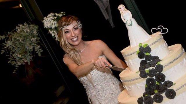 8026154859974 8004179477122 - 40 Year Old Italian Woman Marries Herself