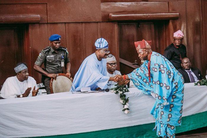 ajumobi 700x467 - Olubadan Palace Shooting;Traditionalists,Ibadan War Lords Families Visit Ajimobi (Photos)