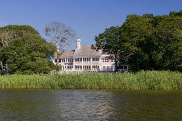 yonce2 - Beyonce & Jay Z Buy A New House In Hamptons, Worth A Huge Money (See Photos)