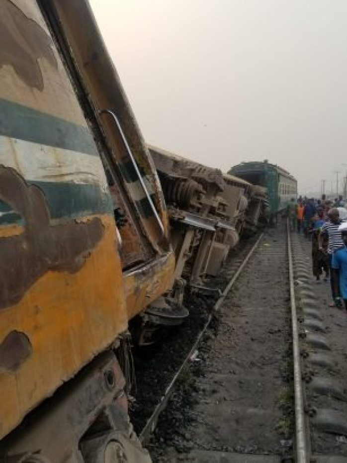 Panic As Train Derails In Agege Area Of Lagos (Photos) 3