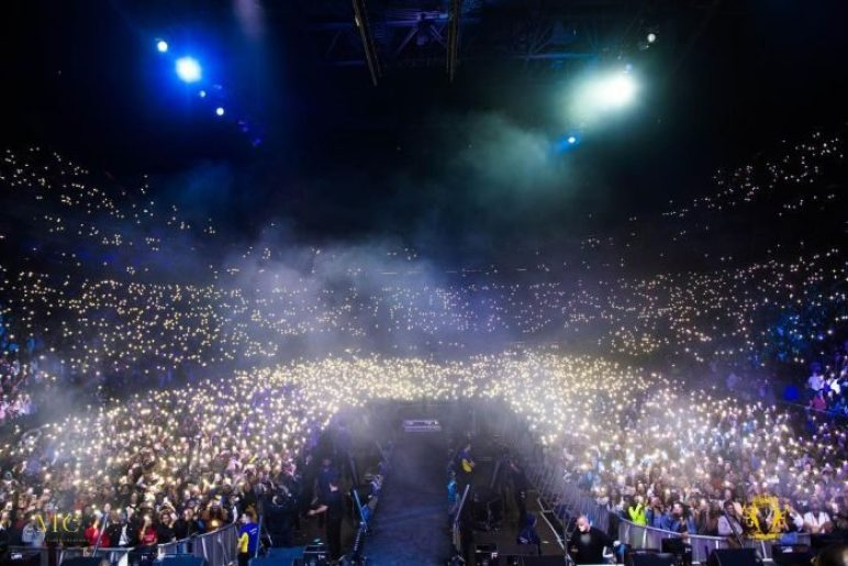 Image result for Davido brags after selling out 20,000 Capacity O2 Arena