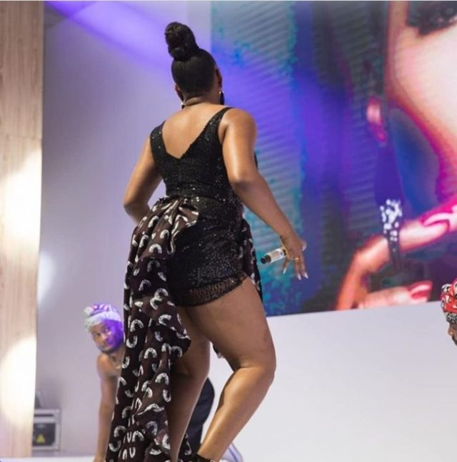 Yemi Alade Shows Cleavage In Sultry Outfit (Photos) 1