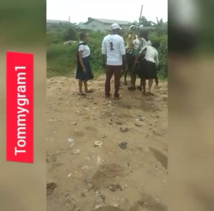 SHAMELESS: Two Ladies Seen Fighting After Church Service  (Photos) 3
