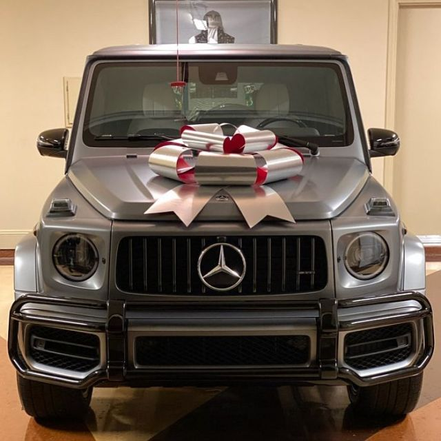 Floyd Mayweather Buys N91m G-Wagon For 19-Year-Old Daughter As Christmas Gift (Photos) 1