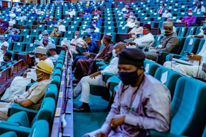 Photos: All Masked Up As Lawmakers Resume Plenary 1