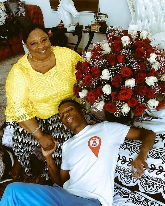 SO SWEET!! Watch This Throwback Video Of Wizkid Dancing With His Mom On Stage