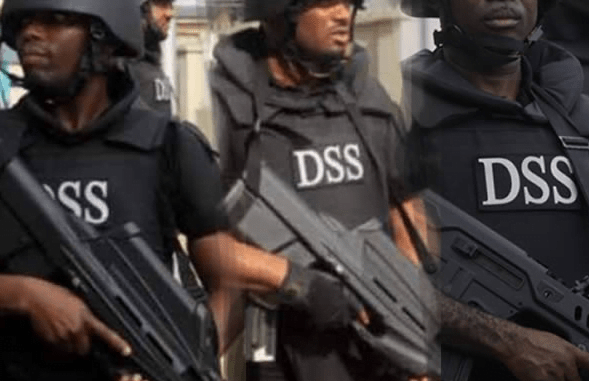 DSS Boss, Safiyanu Abba Slaps Airport Official In Abuja | Naija News