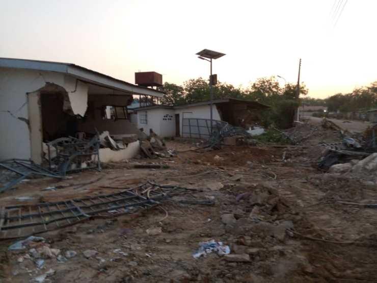 kwara govt demolishes saraki s popular family house ile arugbo 1 - Protest At Ile-Arugbo As Kwara State Government Demolishes Saraki's Family Home (Pictures)