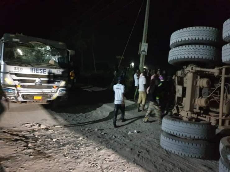 Breaking: Dangote Truck Crushes Vehicle In Lagos, Kills Six, Traps One