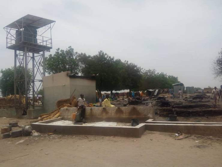 EYza37eWoAAp4JH - One Dead, Many Injured And Property Destroyed As Fire Ravages IDP Camp In Borno (Photos)