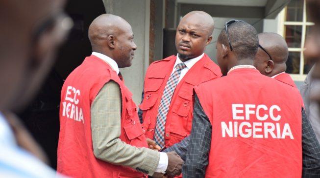 EFCC Arrests 30 Suspected Internet Fraudsters [Full List]