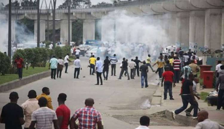 #OndoDecides2020: Pandemonium At Collation Centre As Gun Battle Ensues