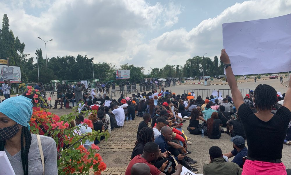 Again, #EndSARS Protesters Storm National Assembly Complex In Abuja