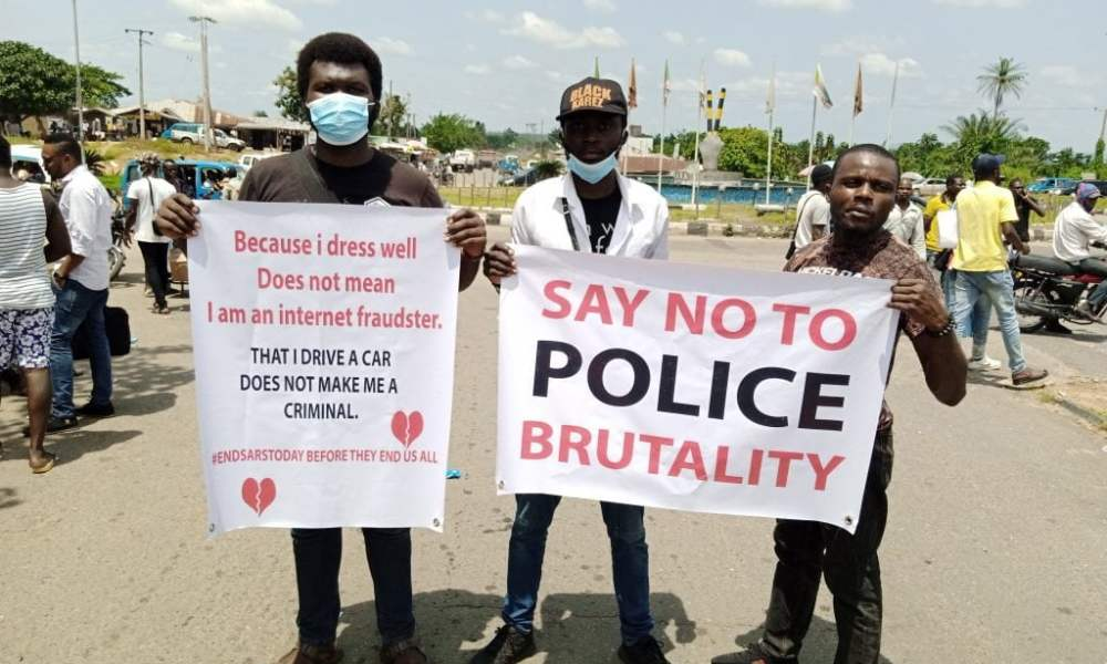 #EndSARS Protesters Storm Governor's Office In Osun