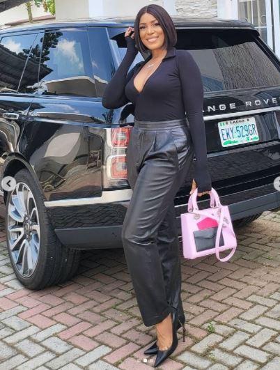 Billionaire Blogger, Linda Ikeji Flashes 'Boob Cleavage' In All Black Attire