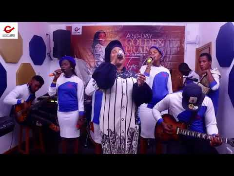 Tope Alabi – I Am Very Happy