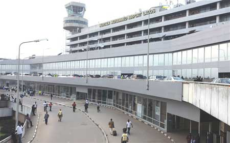 President Buhari sacks heads of aviation parastatals, appoints new ones