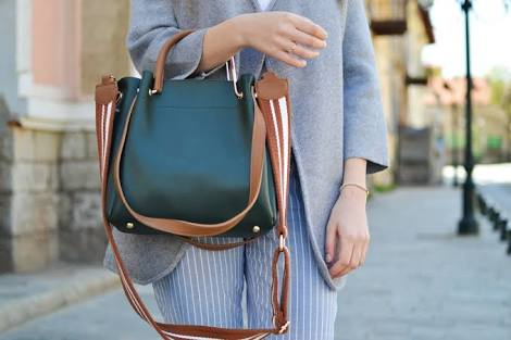 Ladies, Five must haves for your hand bags