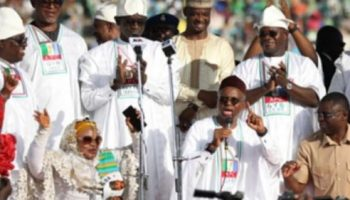 El rufai goes down on his knees and begs Kogi people to vote for Yahaya Bello