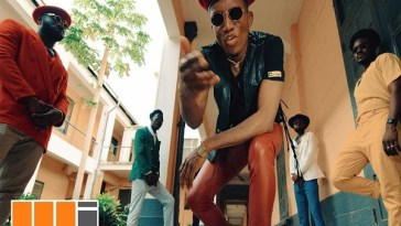 Kofi Kinaata Play Video