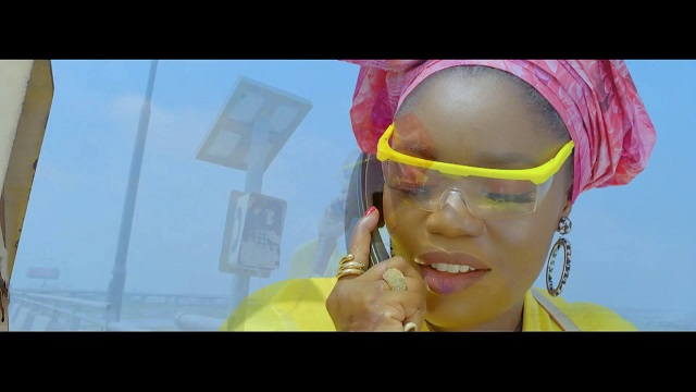Bisola Controlla Video
