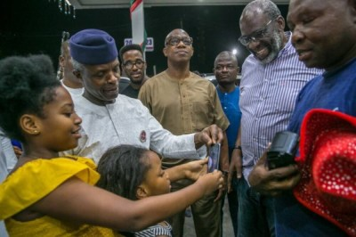"Osinbajo Fuel Scarcity1 600x400 300x200 - 9JA NEWS: FuelScarcity: ""We are trying to move as quickly as we can"" – Osinbajo As He Visits Filling Stations"