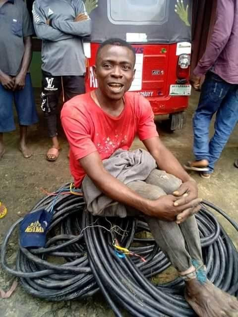 Suspected vandal nabbed for allegedly stealing street light cable in Akwa Ibom