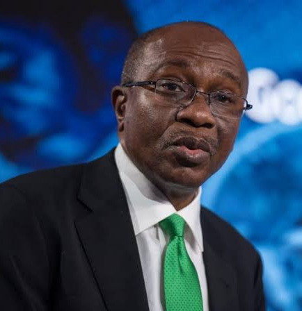 CBN declares founder of AbokiFX, Oniwinde Adedotun, wanted and CBN Governor, Emefiele, challenges those who have a problem with it to come and fight him (video)