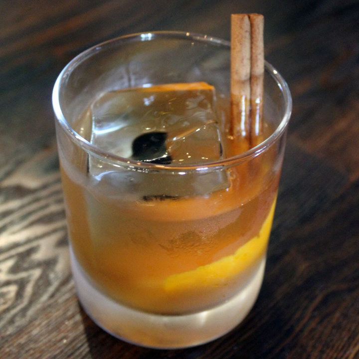 5-build-in-the-glass-bourbon-cocktails-to-make-at-home-pumpkin-spice-old-fashioned-720x-720-slideshow