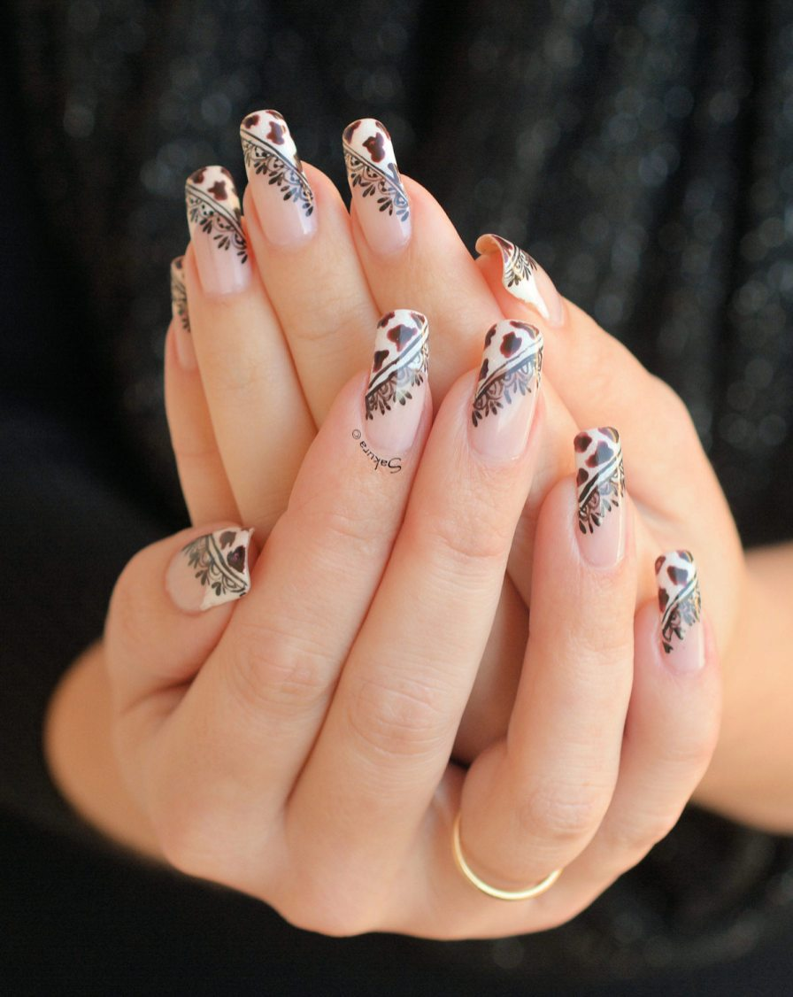 NAIL ART COW GIRL 3