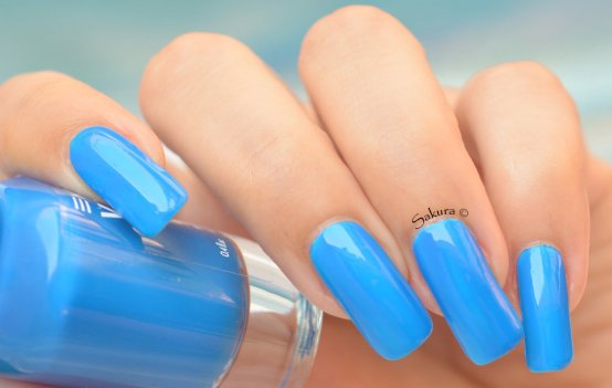 BEAUTY NAILS BLUE FLUO 4