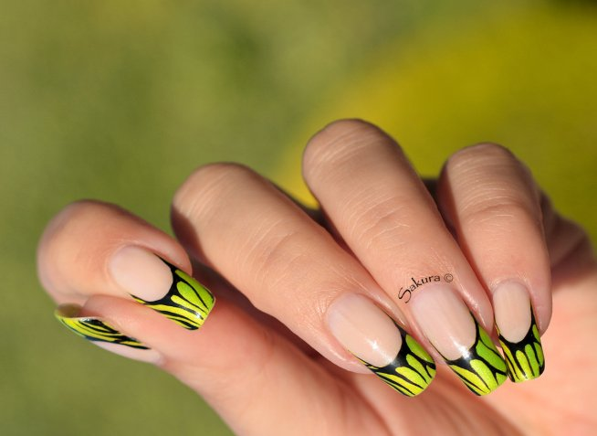 Nail Art flashy fluo