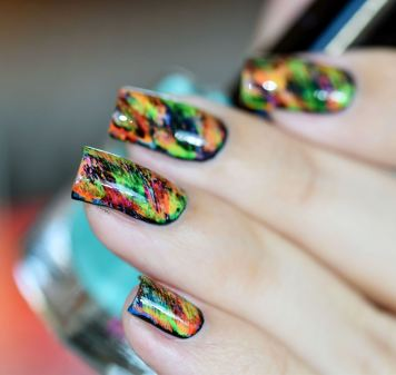 NAIL ART GRAFFITIS FLUOS 12