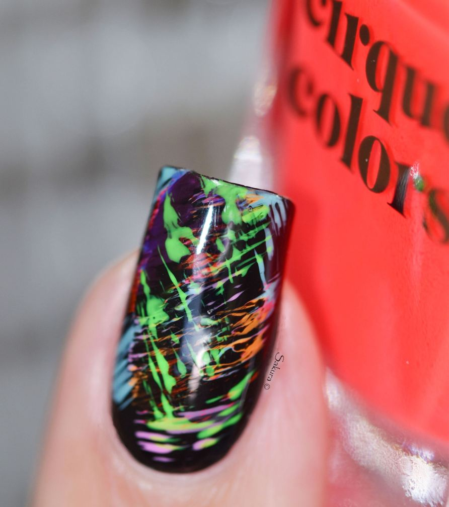 NAIL ART GRAFFITIS FLUOS 8
