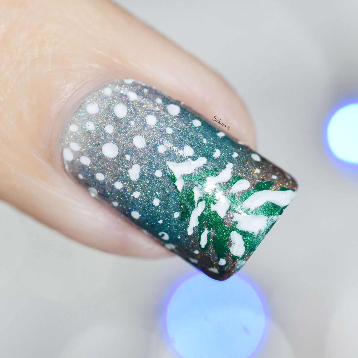 NAIL ART ITS RAINING SNOW 2