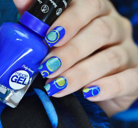 NAIL ART BUBBLES BLUES 4