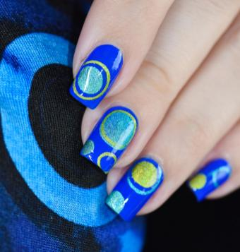 NAIL ART BUBBLES BLUES 6