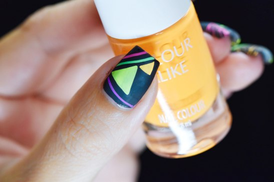 NAIL ART GRAFFITIS FLUO 5