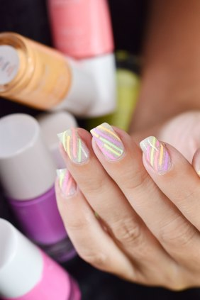 NAIL ART SERPENTINS FLUOS