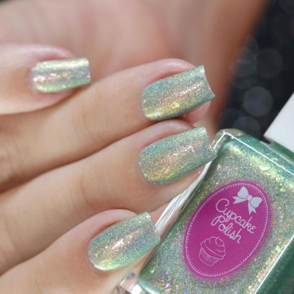 CUPCAKE POLISH MERMAIDS IN MALIBU 8