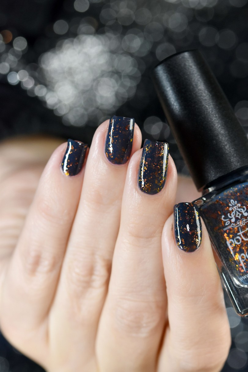 POTION POLISH BLACK SAND BEACH 8