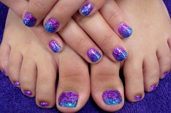 Cute toe Easter nails
