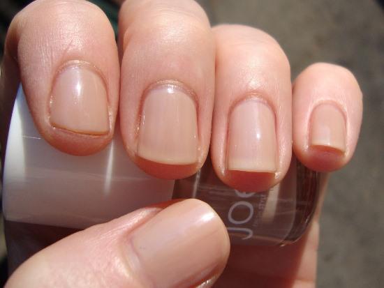 how to choose nail polish for skin tone