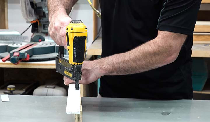 How does a Pneumatic Brad Nailer Work