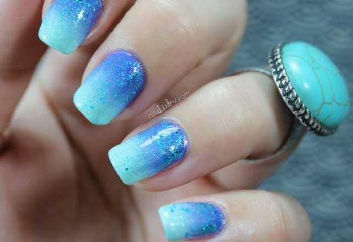 Uñas Decoradas Con Degradado Turquesa Y Purpurina Reto Sumernails