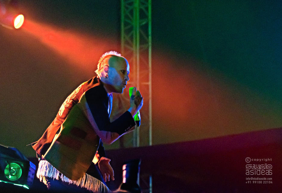 Concert photography on the Nikon D90 for sale. Professional photographer Naina Redhu.