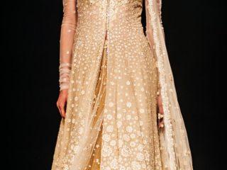 #SwarovskiCrystals Tarun Tahiliani,, BMW India Bridal Fashion Week, #BMWIBFW, Naina.co Luxury & Lifestyle, Photographer Storyteller, Blogger.