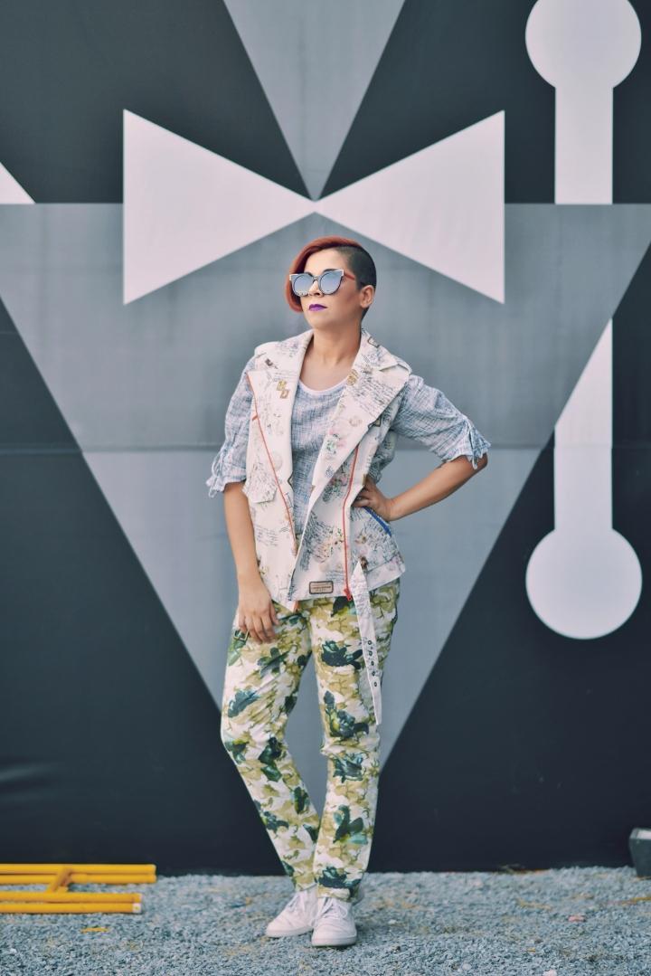 Naina.co, Naina, Naina Redhu, AIFWAW18, Amazon India Fashion Week, Autumn Winter, Genes, Lecoanet Hemant, The Meraki Project, Sonali Pamnani, Bias Cut, Handblock Printed, Vinita Adhikari, ILK, Shikha, Tone On Tone, Wine Dress, John Jacobs, Sunglasses, Chanel Sunglasses, Jacket, Trousers, Benetton, High Waist Trousers, Stripes, Knit Top, Sneakers, Handbag, Scarf, NAINAxStyle, OOTD, What I Wore, Fashion Week, India Fashion Week, Delhi Fashion Week, FDCI